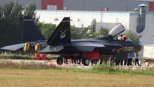 Chinese J-31 stealth fighter