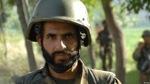 afghan-soldier-patrol