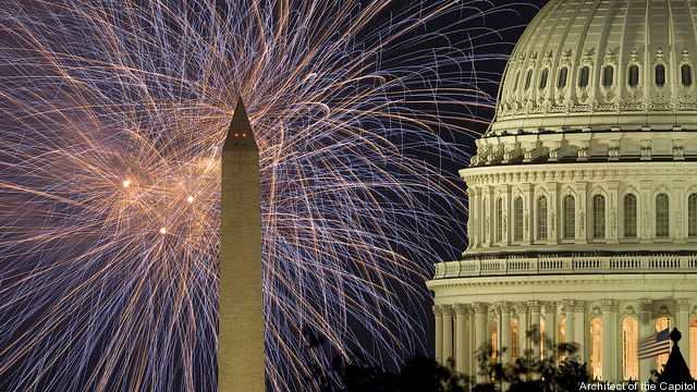 fireworks-over-capitol-1352232607