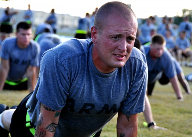 Army soldier pushups '100729-f-7409f-017