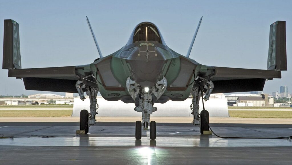 F-35C with wings up