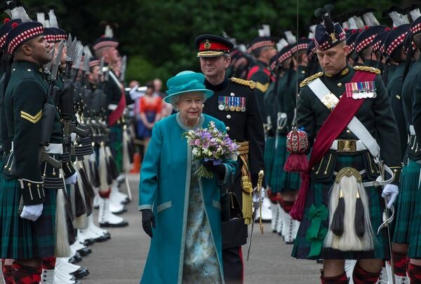 Her Majesty Queen Elizabeth reviews 2 Scots