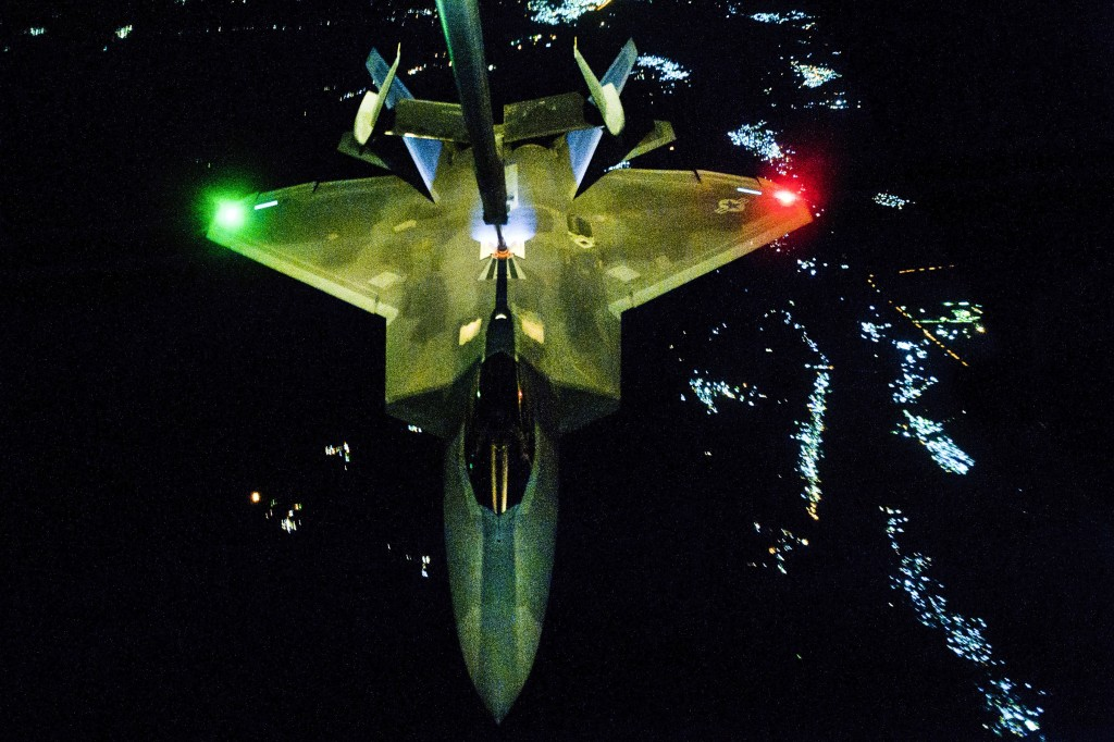 F-22 refuels during attacks on Syria and ISIL