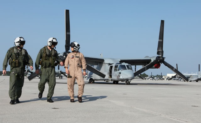 Israeli pilots check out V-22