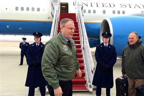 Bob Work deputy Defense Secretary at plane