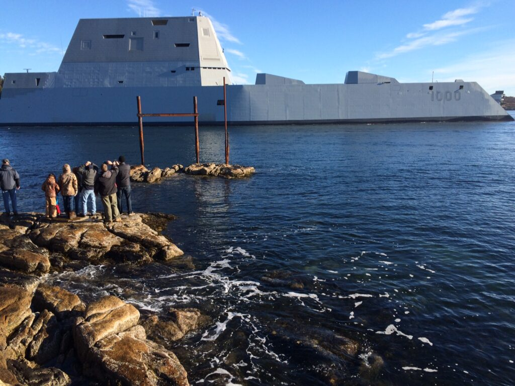 USS Zumwalt heads down the Kennebec River and out to sea for the first time on Dec. 7, 2015.
